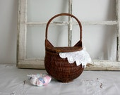 Vintage Wicker Basket with hinged lid - hang on wall with handle brown white spring mothers day easter