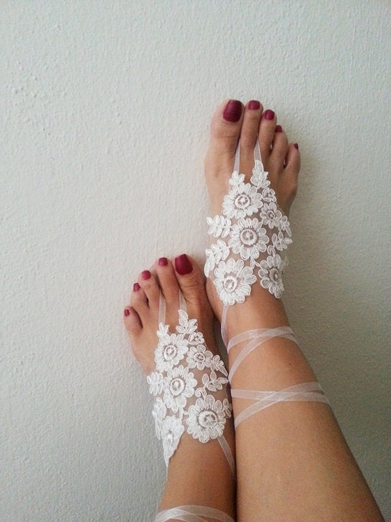LUX Wedding White  Laced  Barefoot Sandals,Wedding Gloves, Foot jewelry, Wedding, Victorian Lace, beach wedding, Anklet