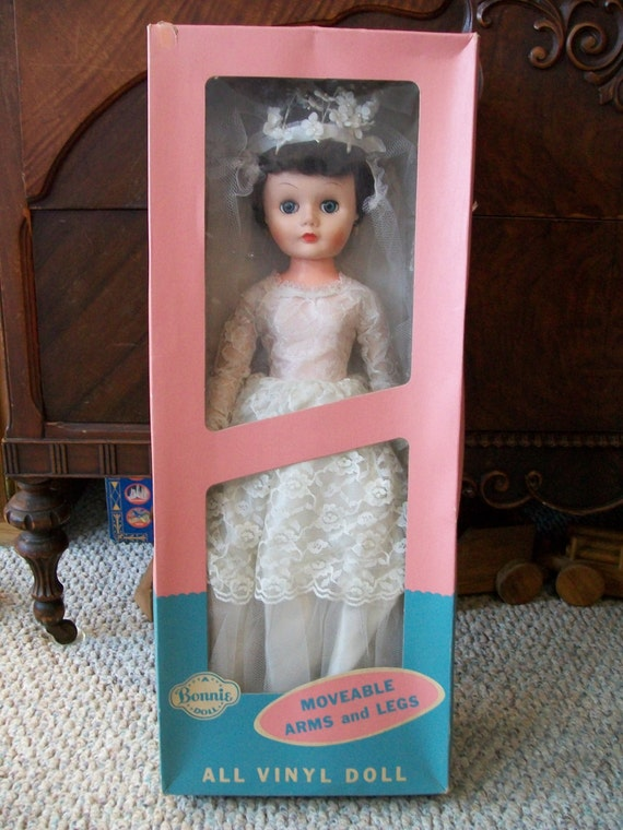 Beautiful Vintage Bonnie Bride Doll By Allied By