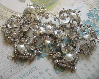 Victorian style Swarovski pearls and rhinestone crystals wedding bridal bridesmaids dress brooch pin, Victorian brooch, wedding brooch, gift