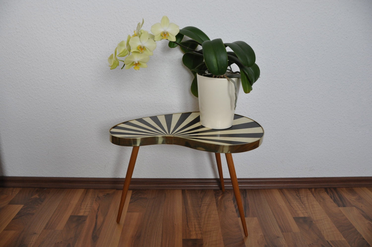 original mid century plant stand 1950s small by berlinerstrasse. Black Bedroom Furniture Sets. Home Design Ideas
