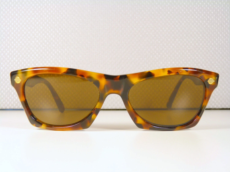 Vuarnet 070 Vintage Wayfarer 1980s Sunglasses Brown Lenses