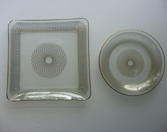 Vintage Retro Hollywood Regency Spirograph Gold Mandala on Glass Trays - Set of 2