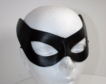 Super Hero Mask, cat eye in shiny black leather, traditional cat woman Lee Meriwether in Batman