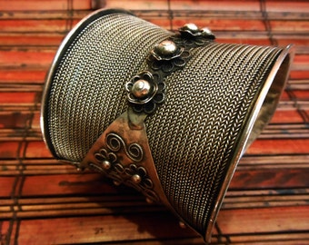 Tribal Cuff Bracelet Vintage Hill Tribe Silver Miao Hmong Tribal Jewelry