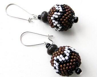 Beaded earrings, beaded bead earrings, beaded jewelry, seed bead earrings, dangle earrings, brown earrings, beadwoven earrings, ethnic