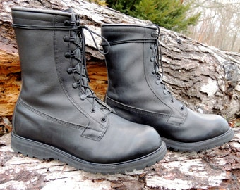 25% OFF // Men's 12w // Vintage Black Combat Boots // Vibram