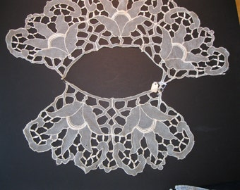 Supply Vintage Ivory Wide Lace Collar