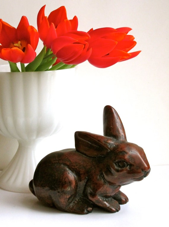 Vintage brown bunny rabbit figurine garden home decor for Rabbit decorations home