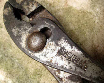 Old Kraeuter & Co. Plier -Forged Steel handle marking collectible tool