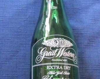 Great Western Extra Dry Champagne Bottle Statue of Liberty Centennial 1886 - 1986 8 OZ  Green Bottle