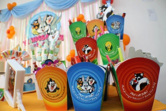 Customized party packs goodie packs door gifts favors for Baby looney tune decoration