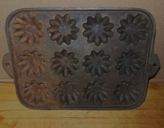 Antique Cast Iron Fluted Muffin Pan 12 Cups