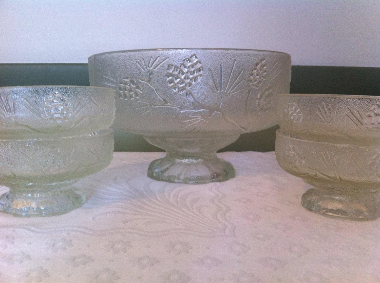 Five piece glass salad bowl set vintage frosted