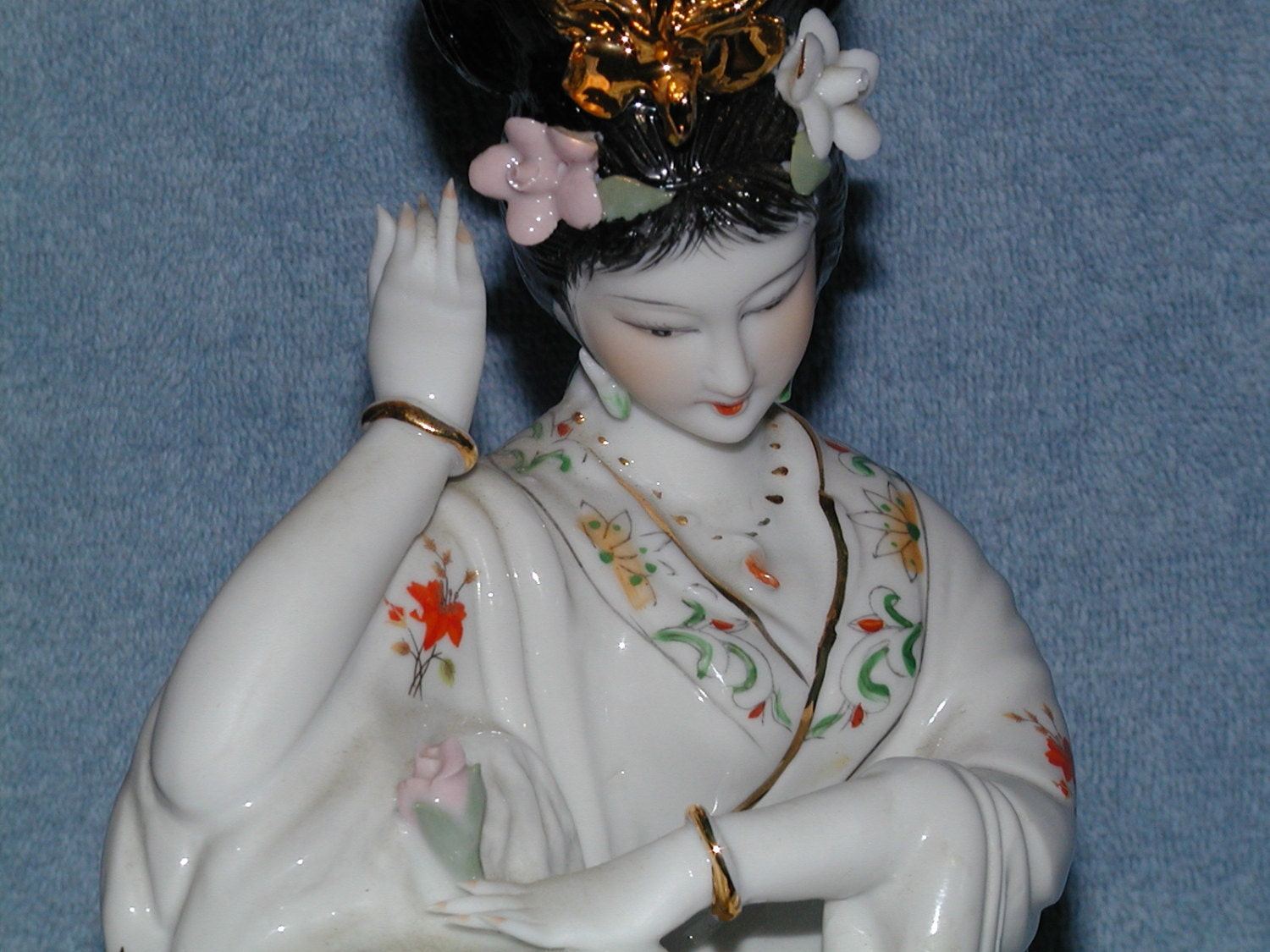 Porcelain Japanese Geisha Girl Figurine