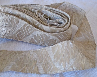 Wide gold metallic ecclesiastical braid French vestment trim