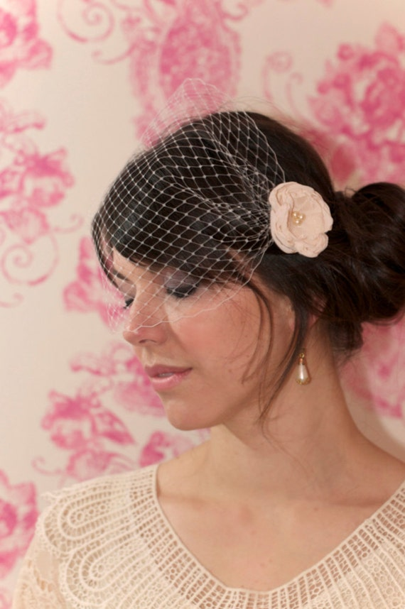 Birdcage veil (Bandeau style) with your choice of flower fascinator. Custom colours. Blusher bird cage, vintage style veil