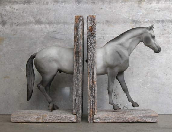 SALE EQUINE COLLECTION hunter horse bookend in grey