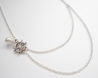 Nautical rudder necklace with pearl