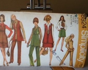 "Simplicity Young Junior/Teens' Vest, Miniskirt, Blouse and Pants Pattern 8924 Size: 13/14, Bust 33"", Waist 26"", Hip 36"""