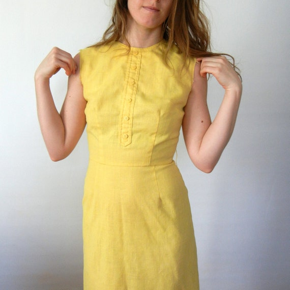 Vintage 1960s The Villager Yellow Sleeveless Dress - Size Small