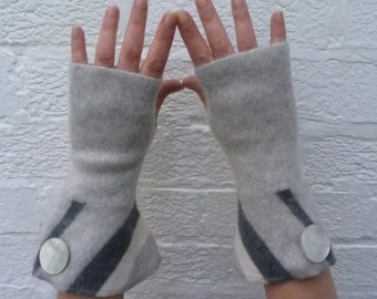 Grey cashmere gauntlet gloves Fingerless texting mitts Striped cuff armwarmers womens accessories Pale grey goth gloves Ecofriendly texters