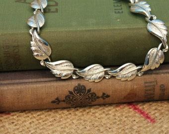 Vintage Metal Leaf Adjustable Necklace