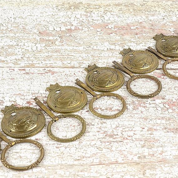 Vintage Hepplewhite Drawer Pulls A Set of Oval Federal Furniture Brasses Brass Hardware Antique Furniture Hardware Urns Ram's Head A94