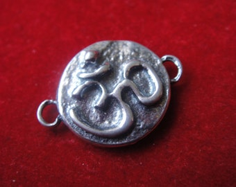 925 sterling silver (oxidized) om charm or connector 1pc., silver om sign, om charm connector, meditation finding, silver om connector