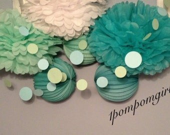 UNDER THE SEA / 20 tissue paper pom poms/20 paper lanterns / birthday, wedding decorations, bridal shower, baby shower, nursery decor, beach