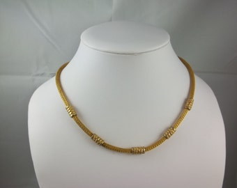 Vintage Gold Tone Rope Necklace.