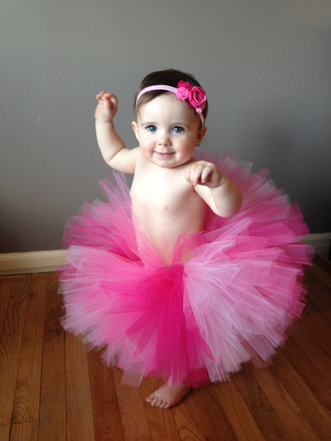Beautiful little tutus! I have to admit that those frilly pink tutus are one of the things that make having a girl so absolutely fun. My baby girl is now 14 months (technically not even a baby anymore) and I still get a kick out of dressing her up.