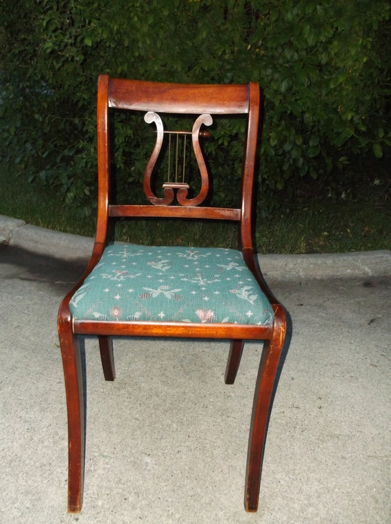 A Superb Early 20th American Duncan Phyfe Lyre Back Chair