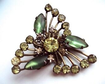 Beau Jewels Green Fleur De Lis Brooch