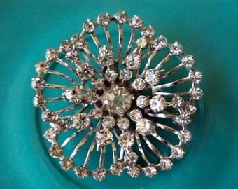 Stunning Vintage Rhinestone Flower Brooch