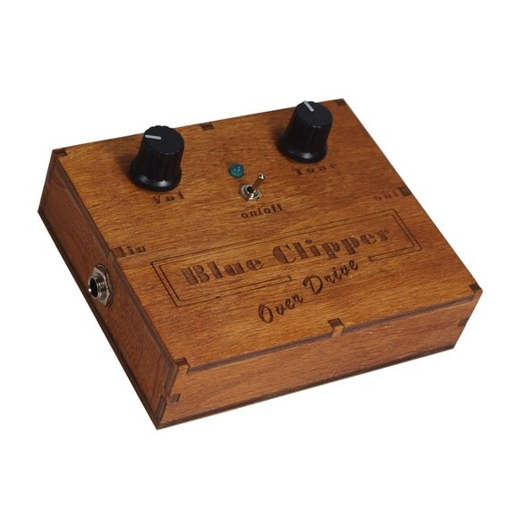 items similar to wooden box distortion overdrive pedal cigar box guitar on etsy. Black Bedroom Furniture Sets. Home Design Ideas