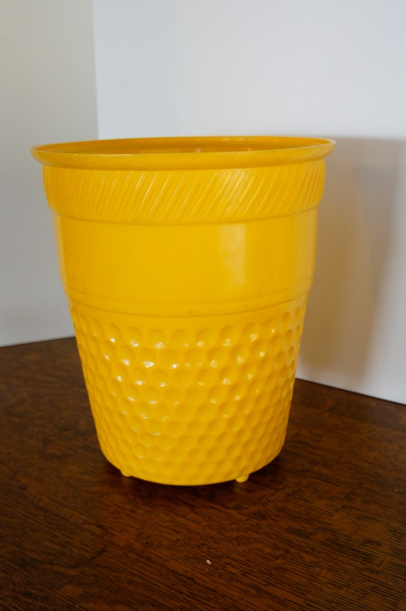 vintage round yellow trash can bathroom or kitchen honeycomb pattern