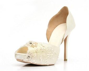 Custom Made Wedding Shoes. Satin Lace Custom Made Wedding Shoes. Wedding Shoes.