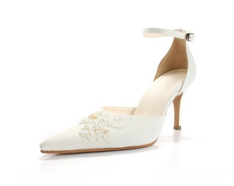 Custom Made Wedding Shoes In Pointy Toe. Ivory White Wedding Shoe with Pointed Toe. Custom Made Wedding Shoes