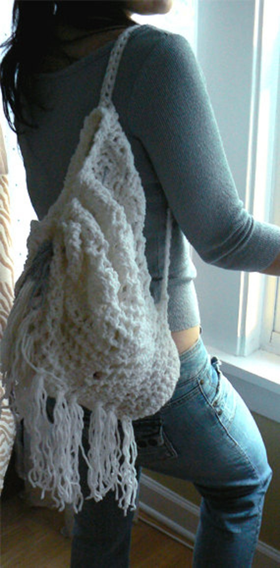 White crochet fringe beach bag. Hippie fringe fashion crochet