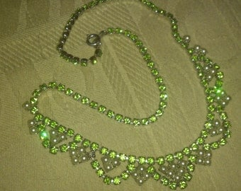 vintage pale green diamante and pearl stones necklace