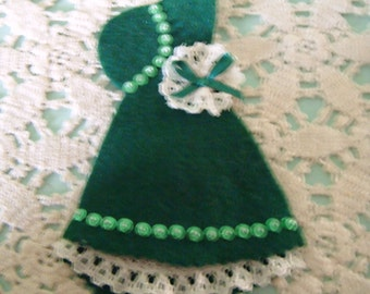 Dutch Doll Needle Holder