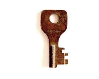 Old Rusty Key to my heart lock key rustic home decor key industrial steampunk jewelry vintage key old key 140