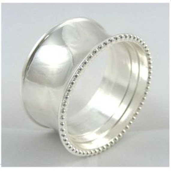 classic napkin ring set in silver or gold by