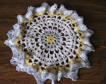 Adorable blue/yellow/white ruffled doily