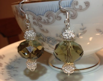 Dangle-chandelier-earringsGreen crystal earrings