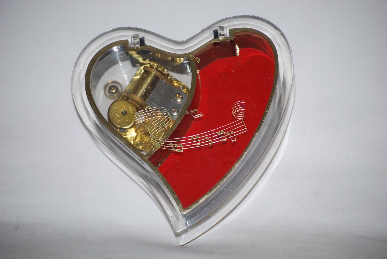 Vintage sankyo japan heart shaped jewelry music box for Heart ring box