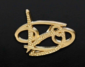 40 Cancer and Capricorn Gold Unity Pendant