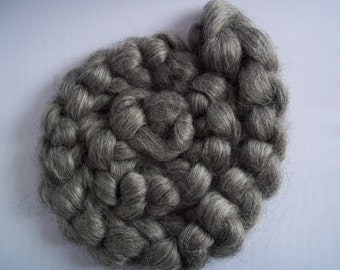 Gotland Spinning Fiber, Gray,Top/ Roving 100g / 3.5oz,