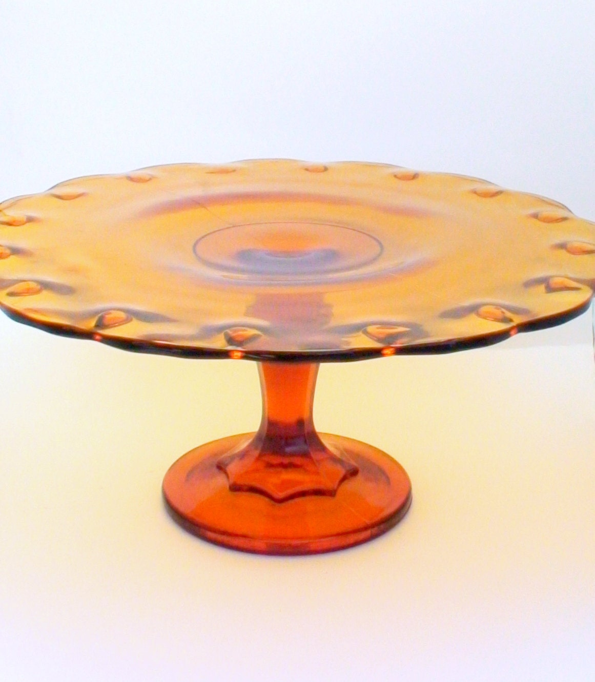 Amber glass cake stand vintage 1950 39 s honey colored for Colored glass cake stand